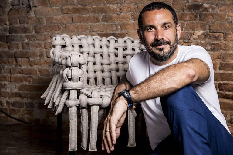 Pedro Franco, 41, designer e CEO da loja A Lot Of Brasil, em São Paulo