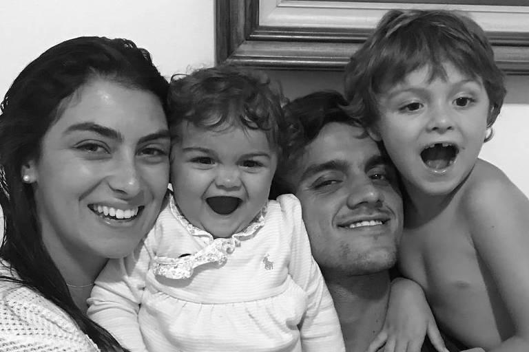 Felipe Simas diz que passou por fase difícil com o filho: 'Ele questionava tudo'