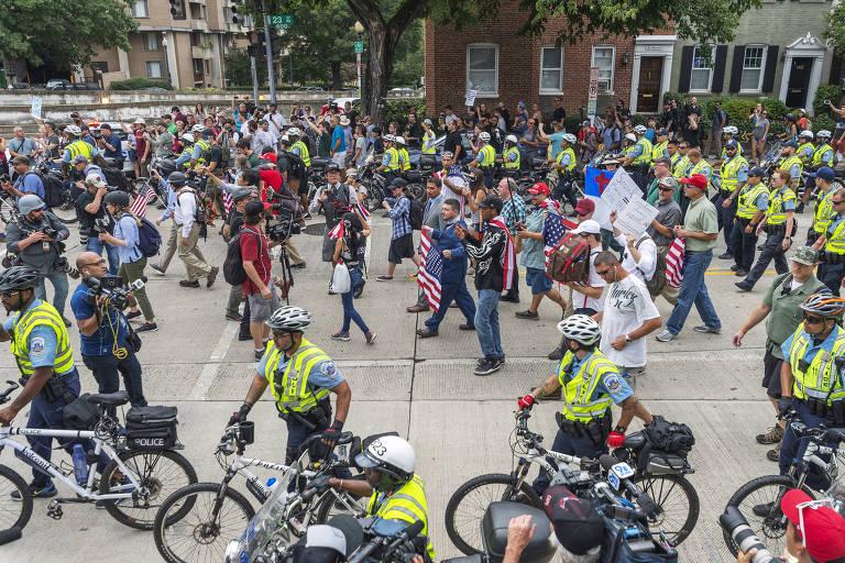 Atos nos EUA lembram um ano de Charlottesville