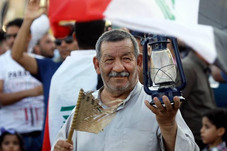 Iraquianos protestam contra crise hídrica e corrupção