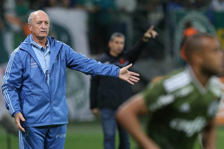O técnico do Palmeiras, Felipão, em jogo contra a equipe do Vasco neste domingo (12), no Allianz Parque