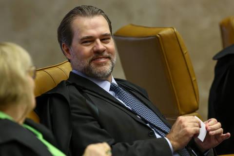 Dias Toffoli vai propor acabar com feriados exclusivos do Judiciário