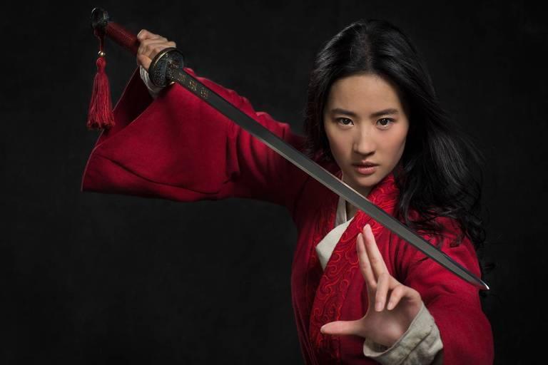 Disney divulga primeira imagem de atriz chinesa na pele da heroína Mulan em filme