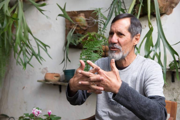 Eduardo Jorge (PV) durante entrevista à Folha em sua casa, na Vila Mariana (zona sul de SP)