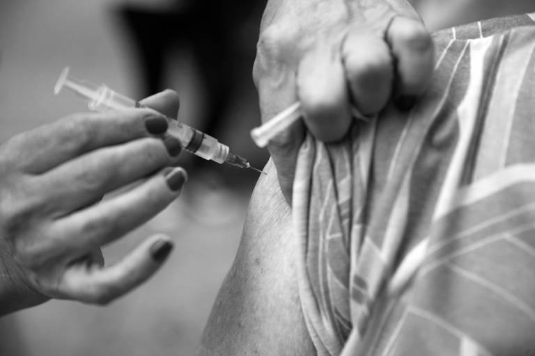 Aplicação de vacina na capital paulista