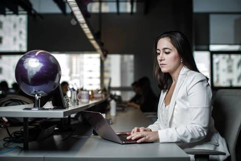 SÃO PAULO, SP, BRASIL, 23-07-2018: Retrato da co-fundadora do Nu Bank, Cristina Junqueira, na sede da empresa, na Zona Oeste de São Paulo. (Foto: Bruno Santos/ Folhapress) *** FSP-ESPECIAIS *** EXCLUSIVO FOLHA***