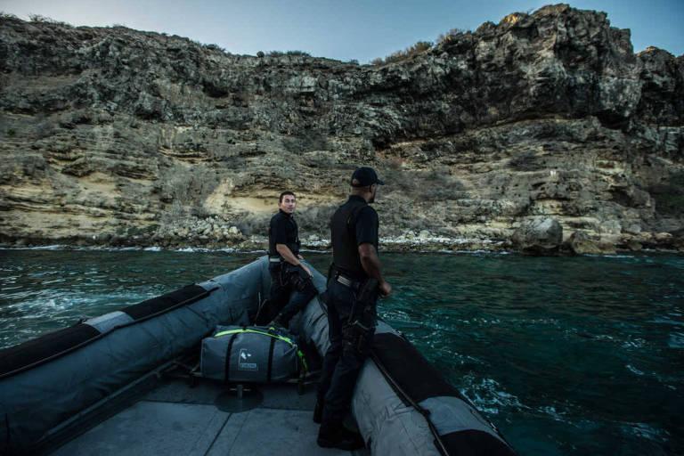 Guarda Costeira faz patrulha em busca de piratas e contrabandistas próximo à ilha venezuelana de Curaçao