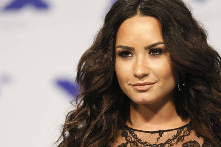 A cantora Demi Lovato no MTV Music Awards na Califórnia