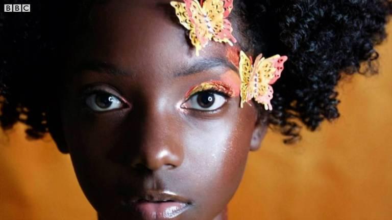 A menina que transformou o bullying racista em negócio de sucesso