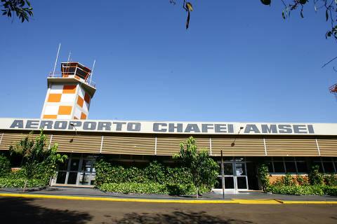 BARRETOS, SP, BRASIL, 09-08-2012: Fachada do  aeroporto Chafei Amsei, de Barretos, que será municipalizado. (Foto: Edson Silva/ Folhapress, REGIONAIS)