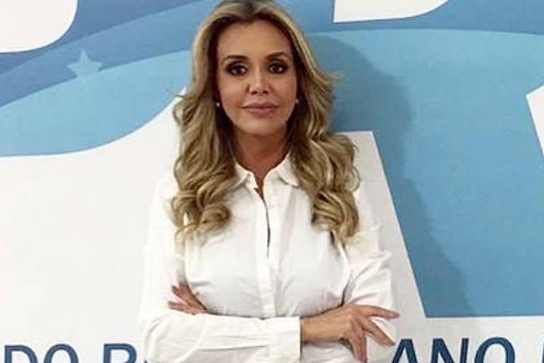 Renata Banhara em campanha como deputada federal pelo PRB (Partido Republicano Brasileiro)