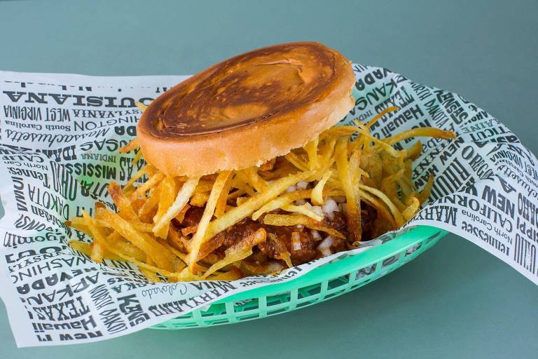 Frita Burger, tradicional de Miami e feito com com batata palha caseira, servido no Burger Map