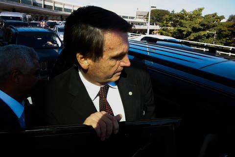 Bolsonaro exibe vídeo em que Wal nega ser funcionária fantasma