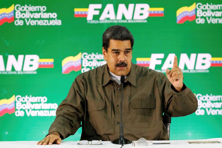 O ditador venezuelano, Nicolás Maduro, durante reunião com militares em Caracas
