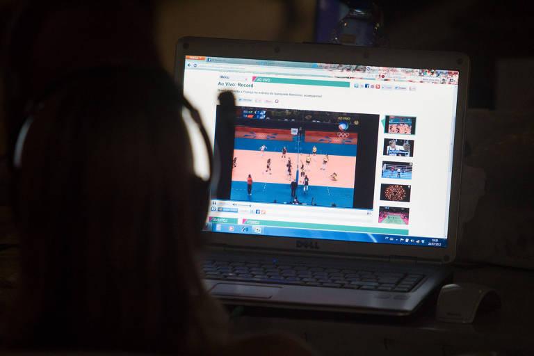 Fazer download de filmes no trabalho dá dispensa por justa causa, decide TRT