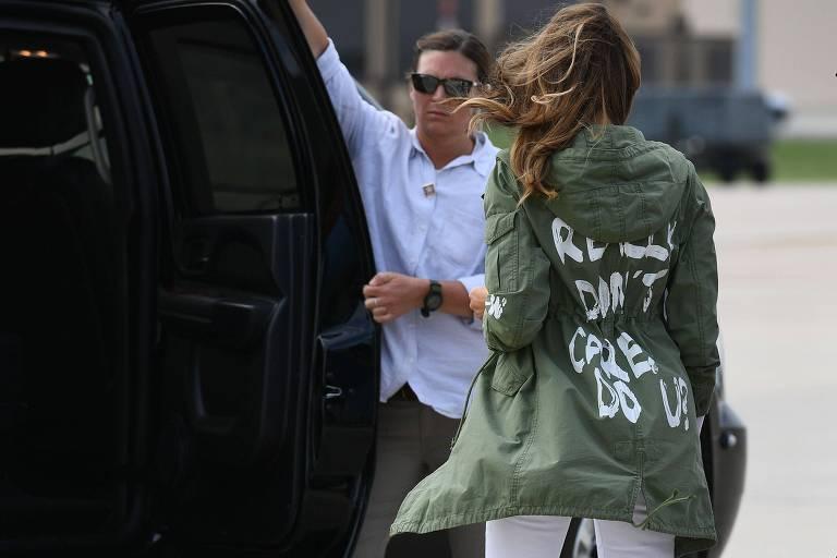 """melania trump usando jaqueta """"Eu realmente não me importo"""""""
