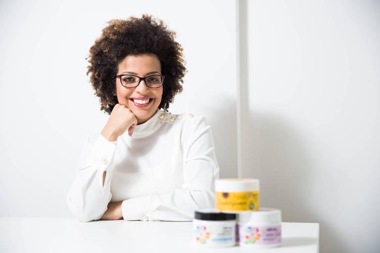 Pamela Waldino Linhares na sede da empresa Kah-Noa em São José dos Campos