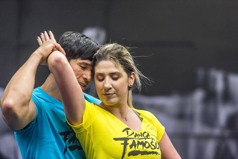 Dani Calabresa e Reginaldo Sama em ensaio para a Dança dos Famosos