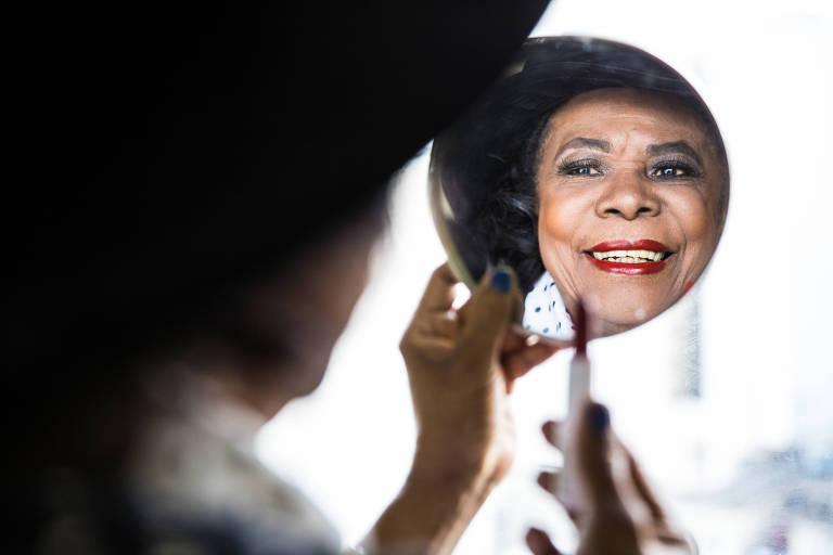 Maria do Carmo Valério, 86, dona da Muene, empresa pioneira no país no setor de cosméticos para pele negra