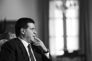 Caderno Especial sobre Contrabando.Presidente do Paraguai Horacio Cartes