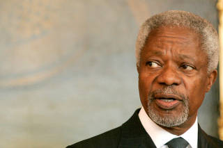 FILE PHOTO -  Former U.N. Secretary General Annan delivers a speech in Vienna