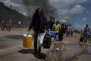 Expulsos, venezuelanos deixam Roraima