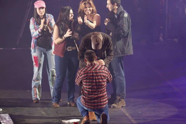 Fã pede namorado em casamento durante show de Shania Twain em Barretos
