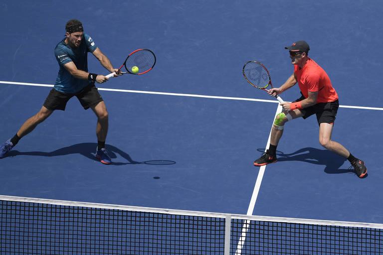 Bruno Soares (à esq.) e Jamie Murray conquistam primeiro Masters 1000 juntos