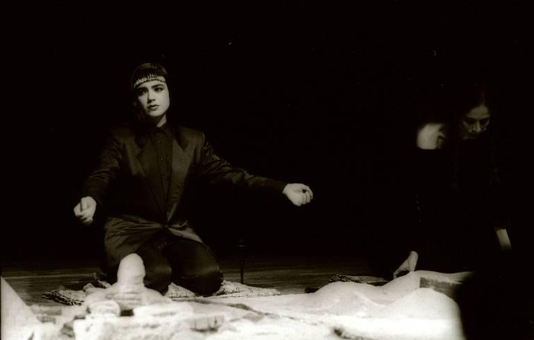 Bete Coelho na peça Tutankáton (texto de Otavio Frias Filho)