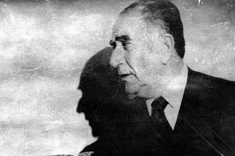 ORG XMIT: 360101_0.tif 1972  O presidente boliviano Hugo Banzer (esq.) e o presidente Emílio Garrastazu Médici durante encontro em Brasília (DF), em 1972. (Reprodução)