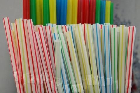A guerra contra os canudos de plástico é uma das causas que estão em alta no mundo da gasgtronomia