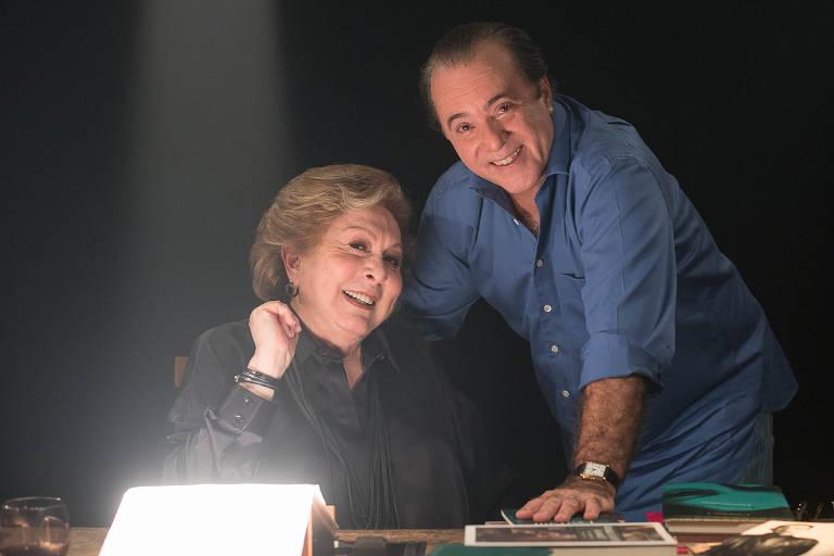 A atriz Aracy Balabanian com o amigo e ator Tony Ramos
