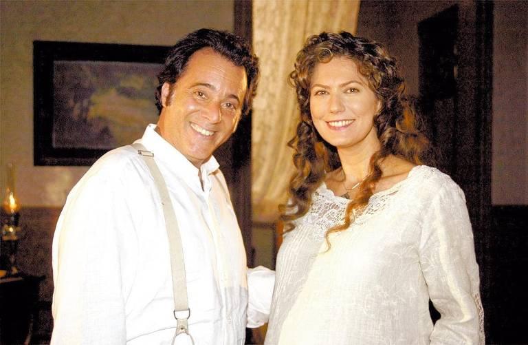 """Tony Ramos e Patrícia Pillar posam para foto em intervalo de gravação da novela """"Cabocla"""", da Rede Globo"""