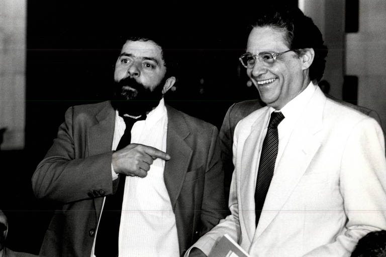 Lula posa para foto ao lado de Fernando Henrique