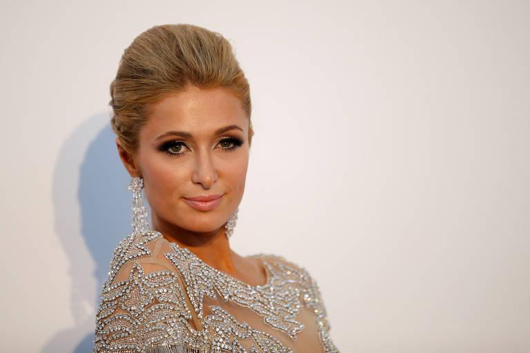 Paris Hilton bate na madeira quando dizem coisas ruins