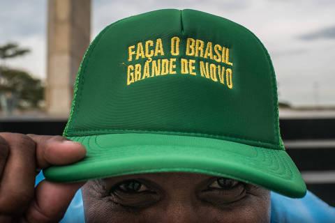 RIO DE JANEIRO - RJ 02.08.2018 - Durante o comicio para lançamento da candidatura a presidencia de Jair Bolsonaro, militantes gritavam