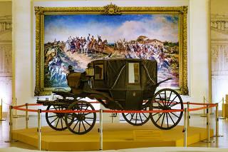 Parte do acervo do Museu do Ipiranga que está no Palácio dos Bandeirantes