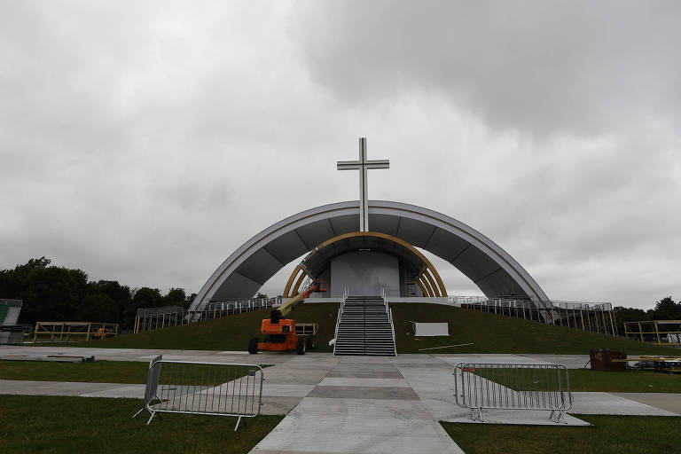 Papa visitará uma Irlanda na qual há cada vez menos fiéis