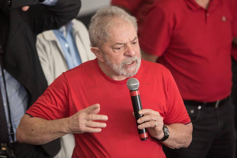 O ex-presidente Lula durante discurso no Sindicato dos Metalúrgicos do ABC, em São Bernardo do Campo (SP), onde acompanhou seu julgamento no TRF-4
