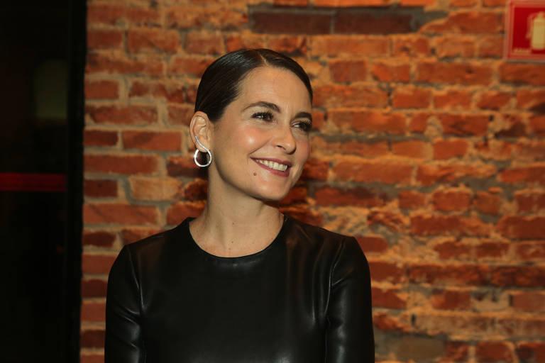 A atriz Claudia Abreu