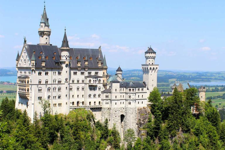 O castelo de Neuschwanstein, na Alemanha