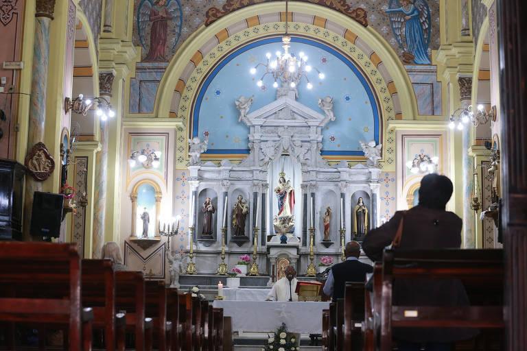 Rotina religiosa volta ao Paissandu