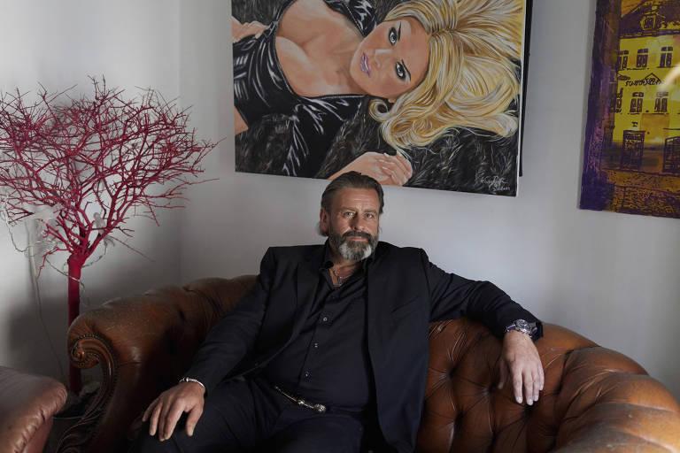 O artista Rolf Wasserman pertence a uma categoria classificada pelos pesquisados como superpostadores