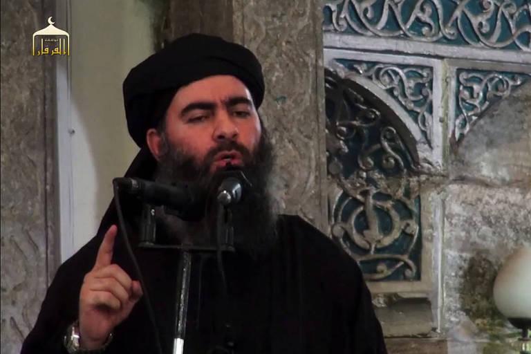 Imagem de vídeo divulgado pelo Estado Islâmico mostra o líder Abu Bakr al-Baghdadi em Mossul