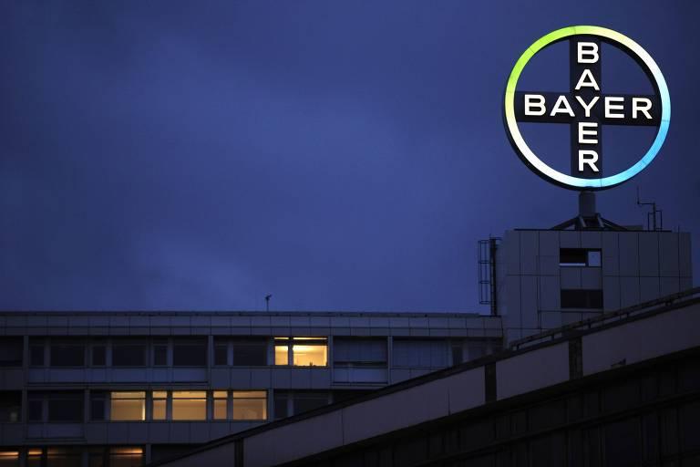 Símbolo da Bayer, empresa dona da Monsanto, em Berlim, na Alemanha