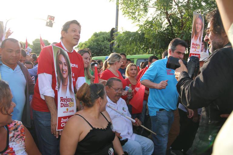 O candidato a vice pelo PT, Fernando Haddad, em campanha pelo Nordeste