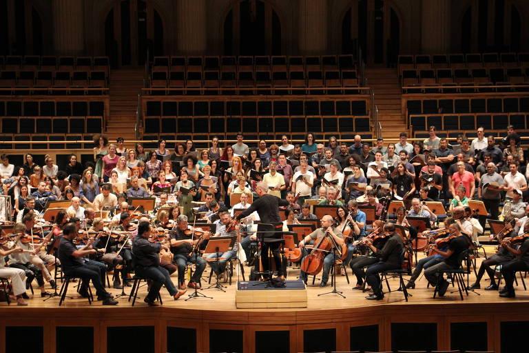 Orquestra ensaia para a apresentação da 9ª sinfonia
