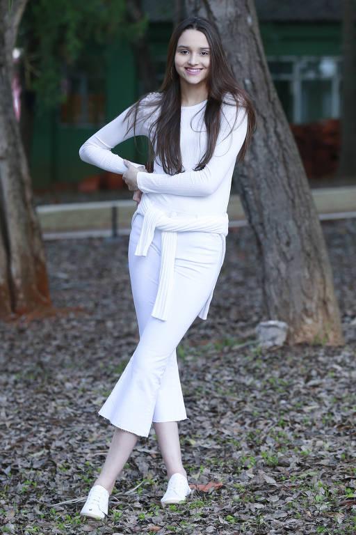 Branco Total: Como vestir peças brancas e compor itens com texturas diferentes