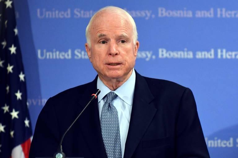 Senador McCain não receberá mais tratamento contra câncer, diz família