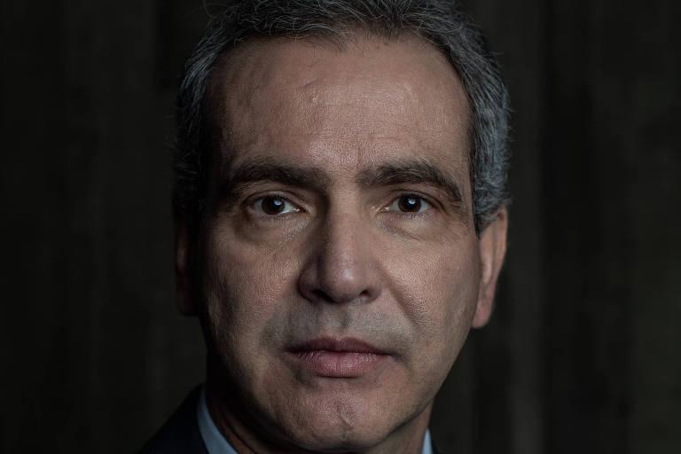 """Leonardo Vilela, presidente do Conselho Nacional de Secretários da Saúde - """"As unidades de saúde estão cada vez piores, com queda no atendimento e na avaliação. Isso mostra a deterioração por ineficiência e falta de financiamento. A saúde pública terá um colapso"""""""